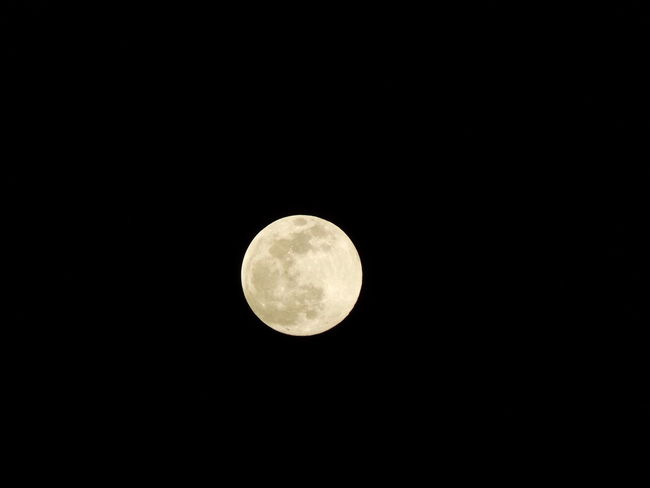 Full Moon Moon Tranquility Night Astronomy Moon Surface Port Moresby, Papua New Guinea Fujifilm Finepix S4800