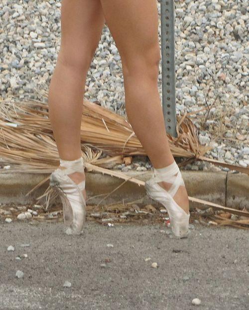 Pointe Shoes Pointe  Ballett Streetphotography Ballet Dancer