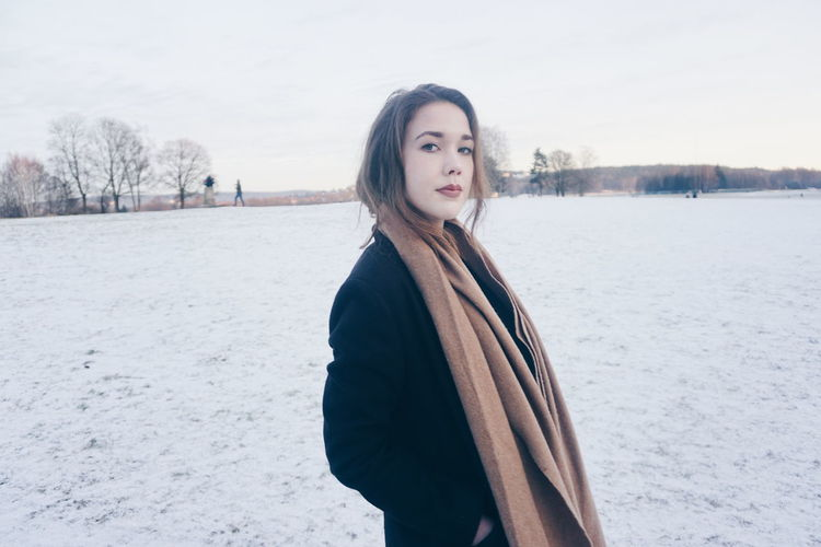 Winter Only Women One Woman Only Young Adult Portrait Snow One Young Woman Only Young Women Warm Clothing One Person Cold Temperature Sweater Beauty People Women Beautiful Woman Oslo, Norway Ekebergparken Oslo Ekeberg Nature Winter Nature Young Woman Human Body Part The Portraitist - 2017 EyeEm Awards Breathing Space