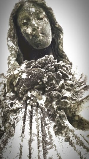 Cemetary Photography Mother Mary Statue Close-up ERIE CEMETARY Cold Temperature Full Of History Beautifil Aura Creepy, Yet Awe Inspiring Outdoors Cemetery Creeping