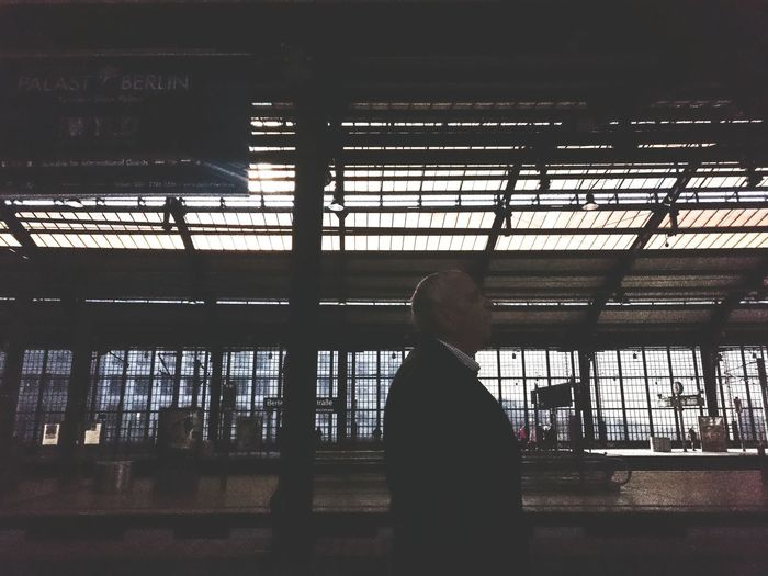 Herr Friedrich Auf Die Sbahn Warten Railway Station Streetphotography Silhouette Sony Xperia Z3