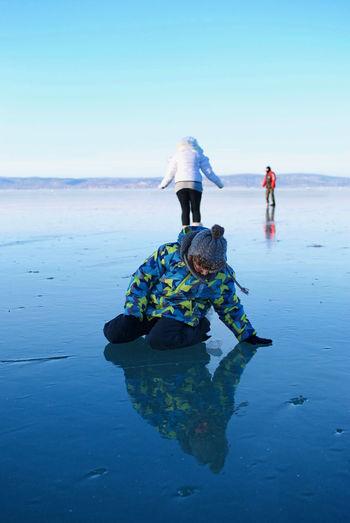 Balaton - Hungary Fonyód Frozen Ice Landscape Mirror Mirrored Skating On The Ice Walking On The Ice Winter