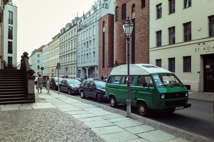 Shot on Gallery Weekend Berlin @ Linienstraße Architecture Art Berliner Ansichten Building Building Exterior Built Structure Car City City Life City Street Day Daylight Green Lantern Lifestyles Mode Of Transport Outdoors Residential Structure Road Sky Stationary Street Streetphotography Travel Destinations Van