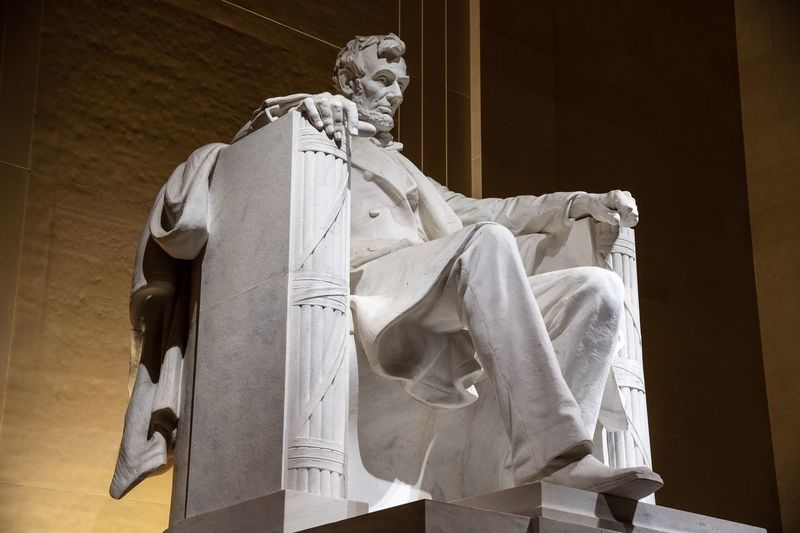 Lincoln EyeEm Selects Sculpture Statue Human Representation Representation Male Likeness Art And Craft Architecture Memorial Travel Destinations Travel Creativity History The Past No People