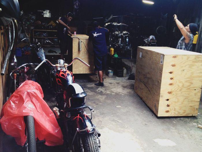 Yesssss dia datang Mari Berkarya Harleydavidson Sportster Roadking Classic 35 Garage Custom Bikes