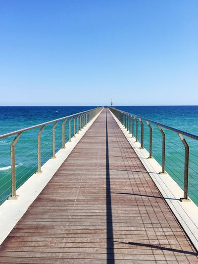 Barcelone,Espagne Sea Horizon Over Water Water Beauty In Nature Tranquility Beach Blue