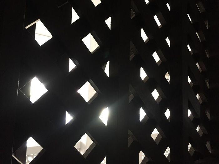Light Full