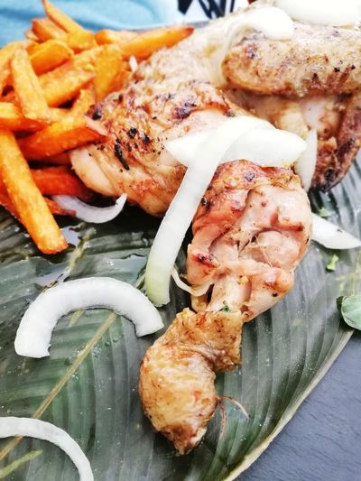 Delicious grilled chicken leg with fresh onion Food Grilled Healthy Eating Chicken Meat Leg Traditional Delicious Eat Lunch Dinner Meal Onion Fresh Healthy Eating Healthy Lifestyle Fries! Sweet Food African Food Seafood Close-up Food And Drink Served Serving Size