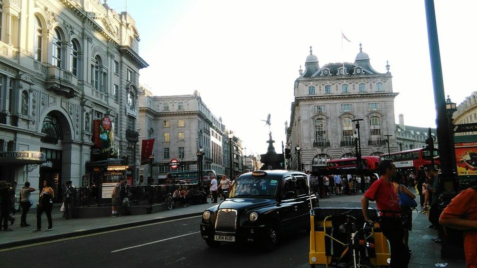 EyeEm LOST IN London London London Lifestyle City Street City City Life People Street Cab Piccadily Circus Real People Black Cab