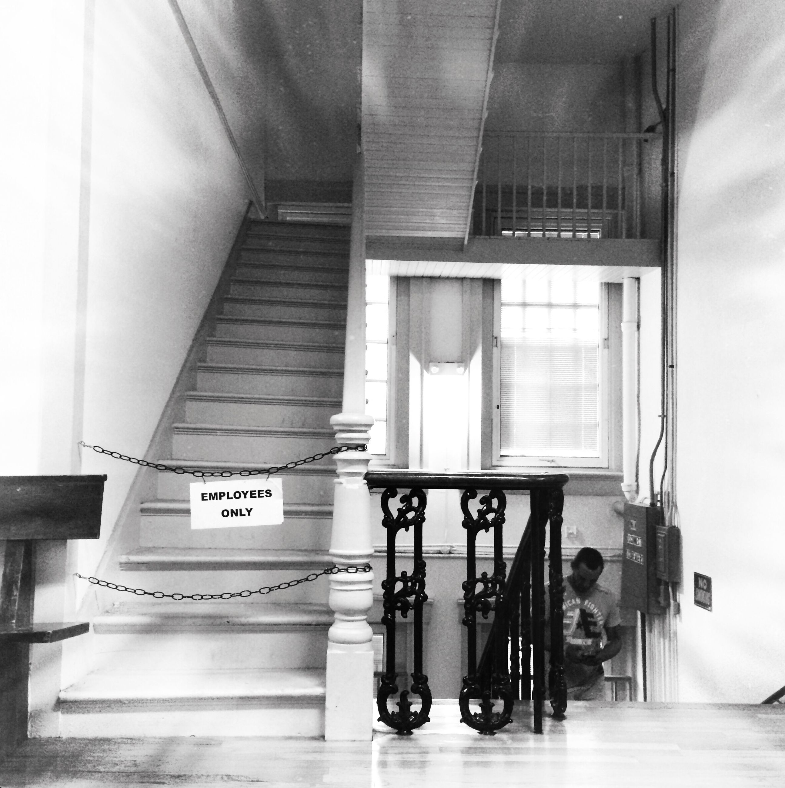 indoors, architecture, built structure, door, wall - building feature, absence, no people, empty, window, home interior, house, day, flooring, corridor, wall, modern, open, building, chair, sunlight