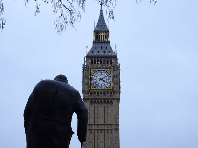Clock Clock Tower Cultures Time Travel Destinations Tower Architecture City Adults Only Sky Day Old-fashioned Outdoors People One Person Clock Face One Man Only Adult Human Body Part Only Men Bigben London Architectural Feature Architecture_collection Statue