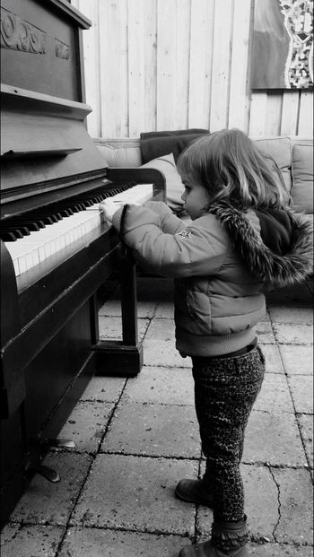 Piano Pianist Child Outside Playground The Netherlands Old Piano Piano Moments My Daughter Piano Moments
