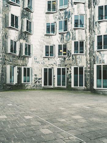 Architectural Detail Architecture Architecturelovers Clean Düsseldorf Düsseldorf, Medienhafen Grey Minimal Minimalistic Minimlism Modern Architecture White White Color