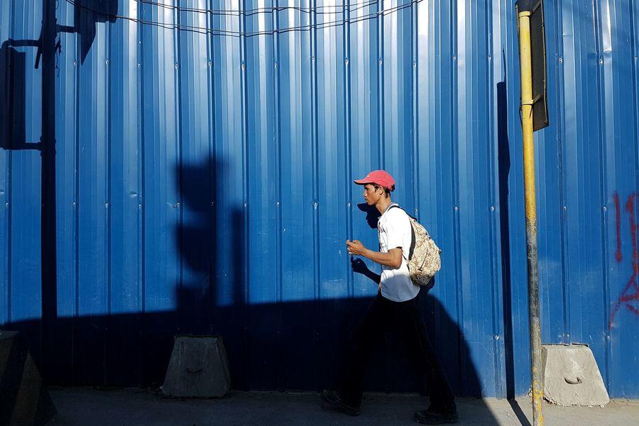 Samsung S7. May 2016. Osmeña cor CM Recto Ave, CDO. The Street Photographer - 2016 EyeEm Awards Eyeem Philippines Street Photography Mobile Photography Mobile Street Photography Samsung Galaxy S7