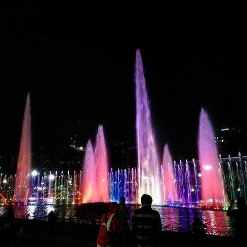 第一次看到黎剎公園的水舞,有點感嘆這八個月還有很多地方沒去過啊!