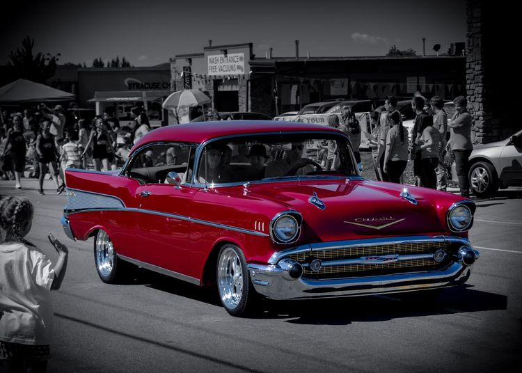 I had a wonderful day at the parade and what a beautiful Classic Car I was able to capture First Eyeem Photo Automobile Automotive Automotive Photography Automotiveporn Parade Show Car Summertime Summer Summer Memories 🌄