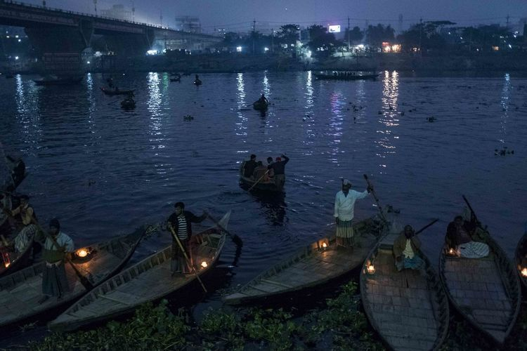 Photojournalism Architecture Building Exterior Built Structure Burning Dusk Fire Flame High Angle View Illuminated Lighting Equipment Nature Nautical Vessel Night No People Reflection River Transportation Water