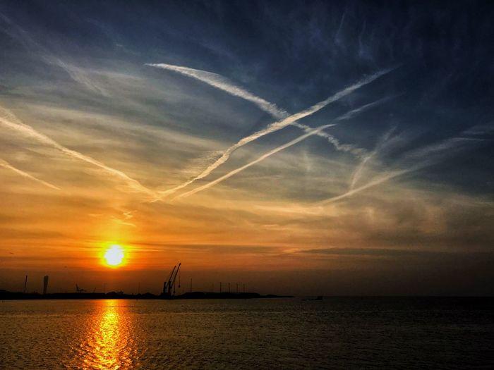 Sky Water Sea Sunset Horizon Cloud - Sky Beauty In Nature