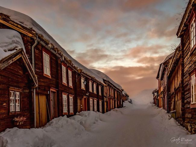 Winter Snow Cold Temperature Weather Sky Architecture Built Structure Nature Building Exterior No People Sunset Outdoors Beauty In Nature Cloud - Sky Day Cold Røros Norway Sunset #sun #clouds #skylovers #sky #nature #beautifulinnature #naturalbeauty #photography #landscape Winter Landscape_photography Sunset_collection