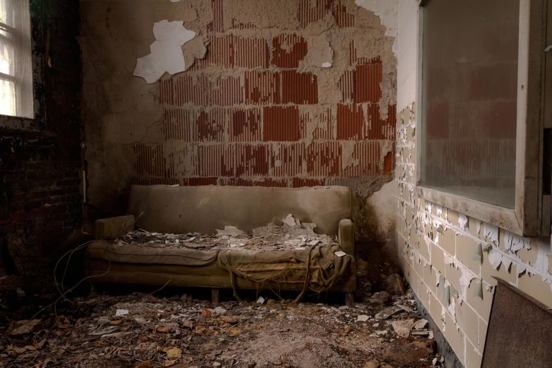 Step into the psychiatrist 's office at an abandoned asylum ExploreEverything Abandon_seekers Asylum EyeEm_abandonment Fuzed_fotos Urban Exploration Urbex Architecture Tour_through_desolation