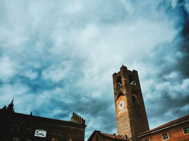 Dramatic Sky in Bergamo for Fotostrasse