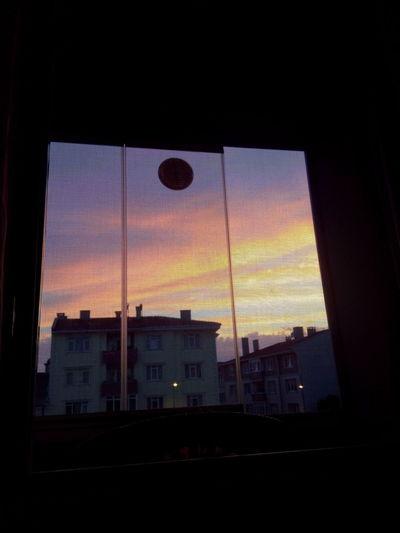 13.06.2017 Onmywindow Penceremden Gokyuzu Sky Colorful No People Akşamüzeri Enguzel Lovethis Rengarenk Günbatımı Sunset Pinksky Nature Nofilter Nofilterneeded