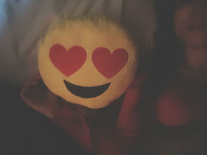 🌟🌟🌟🌜🌟🌟🌟Goodnight😍 Inthebed 😜 Indoors  Me People Love Red Heart Shape Emoji Pillow Night EyeEm