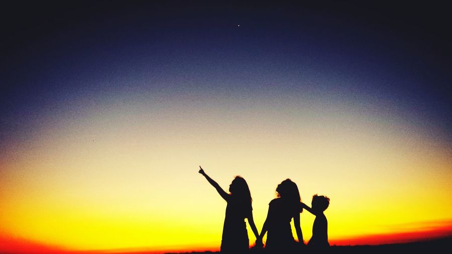 Sunset Silhouettes Fun With Cousins Sunset Photography