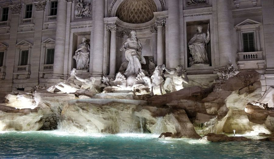 Fontana Di Trevi Trevi Fountain Rome Italia Roma Italy Warm Light Nightlife City Architecture Illuminated Statue Sculpture Water Night In Rome Arts Culture And Entertainment Travel Destinations No People Night Your Ticket To Europe Been There.