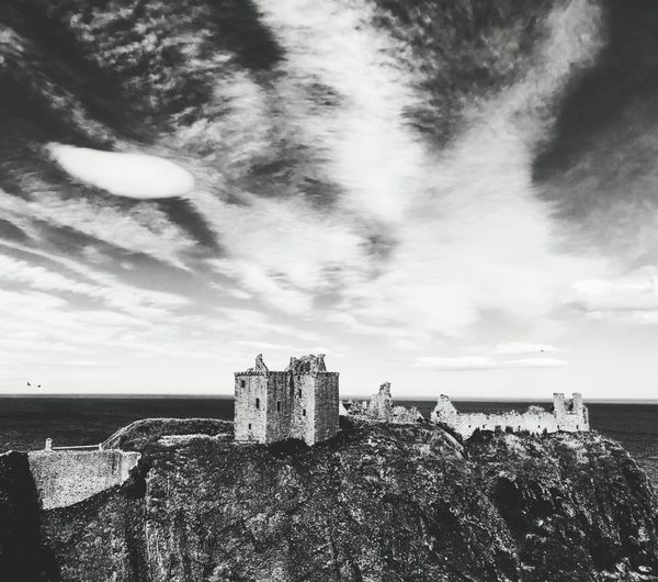 Dunnattor Castle Sky Architecture History Castle Sea Building Exterior Built Structure Day Nature Fort Water No People Outdoors Beauty In Nature Scotland Aberdeenshire Stonehaven EyeEm Selects