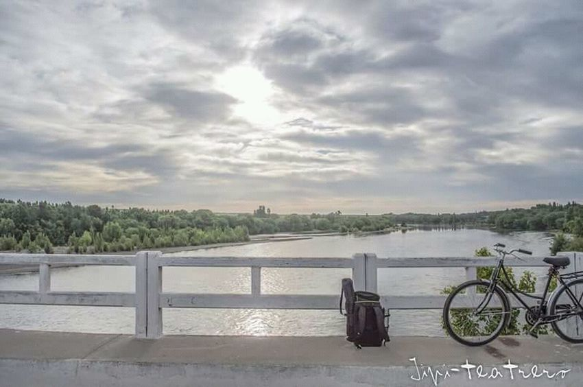 Paseo Belleza De La Naturaleza River View Ríos Cloud - Sky Bicycle Sky Water Tranquility Day No People Beauty In Nature Nature