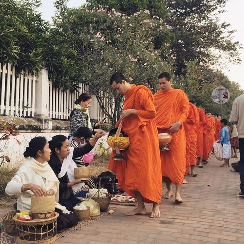 Asian Culture : Morning ALMS giving to Buddhist monk in Luang Prabang EyeEm Best Shots EyeEm Best Edits Traveling Wanderlust OpenEdit