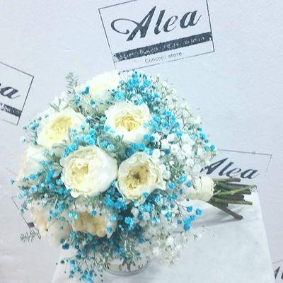Y si nuestra novia es un cielo pues el azul es su color. Blu come il lago di Como. Auguri Leticia!!! Luxuryweddings Luxuryflowers Alea Wedding Boda Bodas Fallweddings Flowers Fleurs Fiori Blumen Mazzodifiori Bouquetsposa Bridalbouquet RamoDeNovia Blu Blue Intotheblue  .