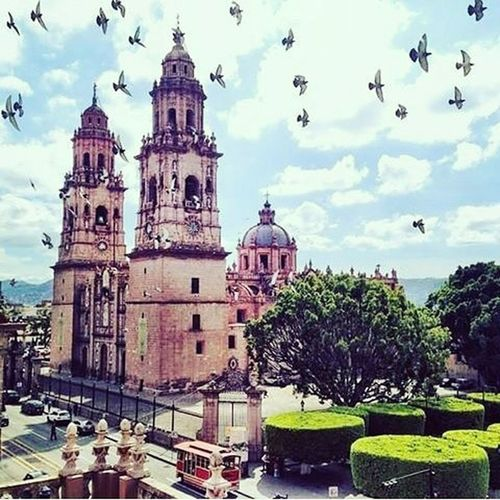 Morelia, Mexico Catedral XVIII. Century Colonial Architecture Pinkcantera Garden Hospitality Wonderful Place Cool