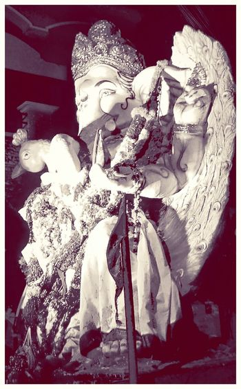 Ganapati Bappa Morya....! Lord Ganesha La Fête De Ganesh Ganesha Visarjan GaneshFestival2015 Feeling Thankful वक्रतुण्डमहाकायसूर्यकोटिसमप्रभ निर्विघ्नंकुरुमेदेवसर्वकार्येषुसर्वदा महाकाय् कोटि
