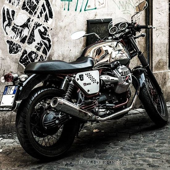 Scrambler custon setup Motoguzzi Vintage Trastevere @treastevererm