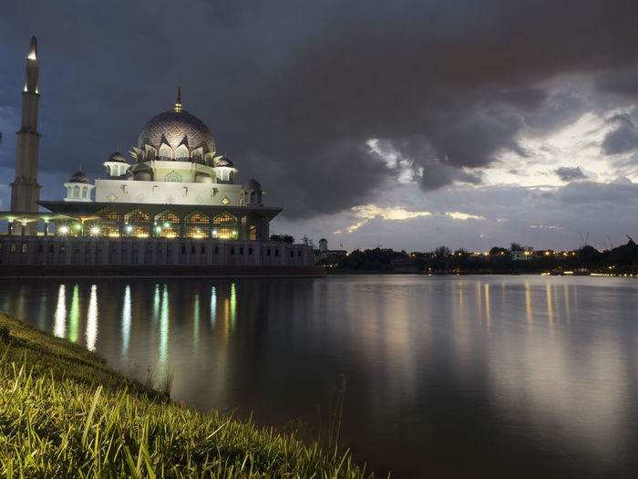 Blue hour at Putra Mosque,Putrajaya Blue Hour Building Lights Cloudy Skies Heavy Vloud Islamic Architecture Kuala Lumpur Malaysia Mosque Place Of Worship Putrajaya Reflections In The Water Traveling First Eyeem Photo Landscapes With WhiteWall The Architect - 2016 EyeEm Awards