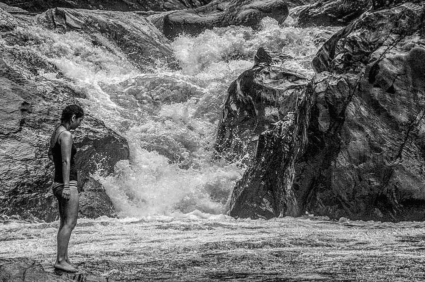 Adult Day Water People Only Women Rio Cascade Cascade Falls Cataratas Agua Creciente Women