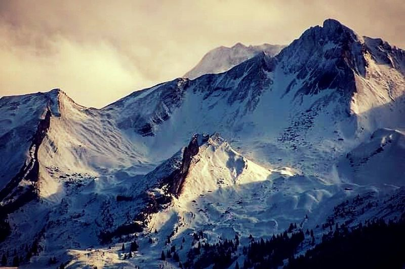 Mountain Snow Mountain Range Landscape Beauty In Nature Scenics Beauty Cold Temperature Mountain Peak Day Outdoors Nature No People
