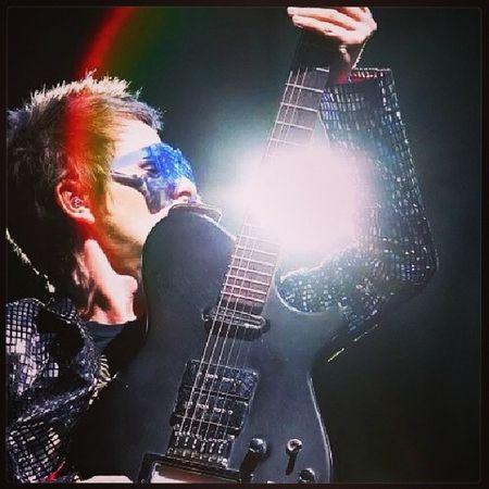 Love this picture of Matt <3 Manson Guitar Flashingglasses Mattbellamy muse