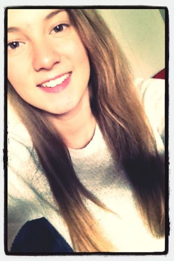 smile at the world and the world will smile back at you ! <3