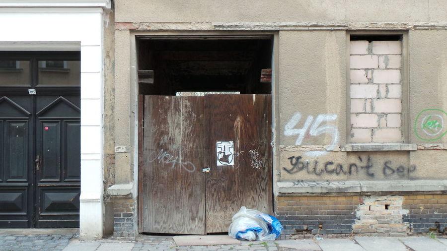 Abandoned Architecture Architektur Door Fenster Fenster Und Türen Houses And Windows Leipzig Tür Verlassen Window Windows And Doors Bricked Walled Zugemauert