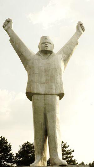 Worldwar2 Yugoslavia Valjevo Victim Of War Victims War Nationalhero HERO Heroes Pride Statue Sculpture Monument Architecture Historic History World War II Historic Building War Memorial Superhero