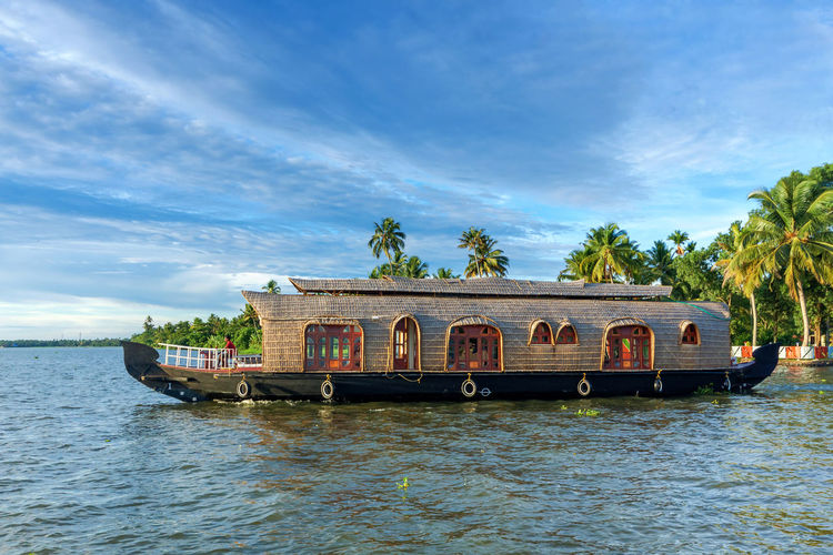 House Boat on Kerala Backwaters. Alappuzha Alleppey Back Waters Backwater Backwaters Beautiful Beauty In Nature Boat House Boat India Kerala Kumarakom Kuttanadu Lagoon Lake Landscape Nature Scenic South India Tourism Tourist Attraction  Travel Travel Destinations Vembanad Lake Waterscape