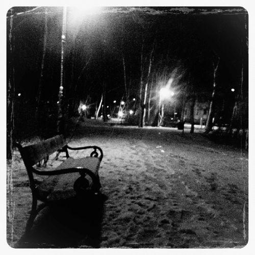 Bnw_one Bw Bws_streets Blackandwhite blackandwhitephotography monotone monochromatic monochrome noir insta_noir