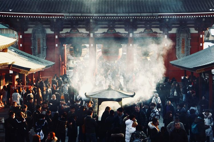 Sunset over crowded Senso-Ji shrine. Tourism Incense Luck Smoke Tokyo Japan Japan Photography Tokyo Street Photography Streetphotography Street Photography Sunset Tranquil Scene Crowd Crowd Large Group Of People Arts Culture And Entertainment Performance Popular Music Concert Performing Arts Event Nightlife People Outdoors Adventures In The City The Street Photographer - 2018 EyeEm Awards The Traveler - 2018 EyeEm Awards Summer Road Tripping