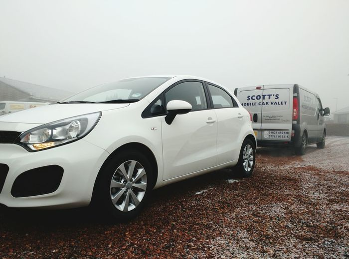 Kia Rio White Car SCOTTSMOBILECARVALET Fog Winter January2015 Misty Morning Morning