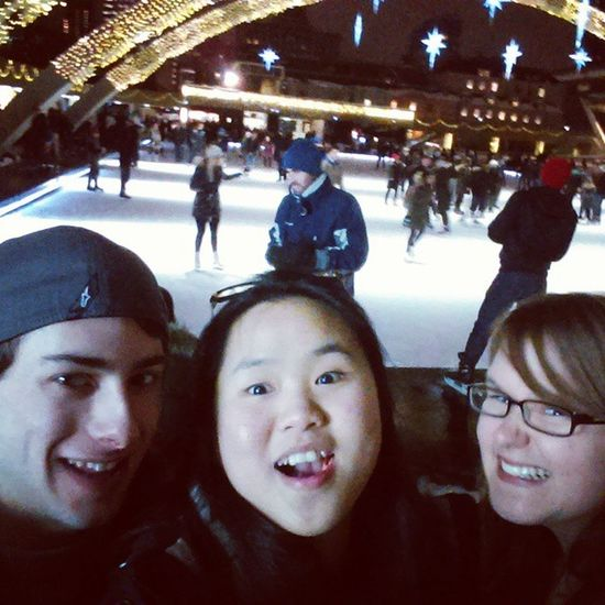 Downtown toronto. Nathan philips square. Afterexam Downtowntoronto Buddies Beauties