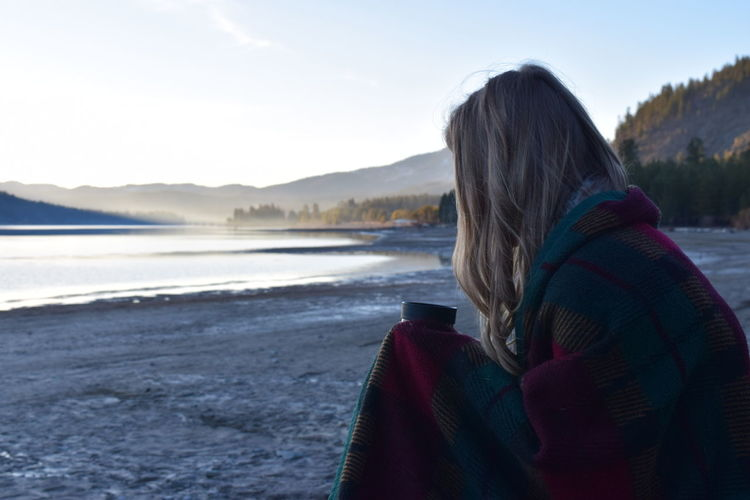 Mountains Sunset Sandpoint Dark Lake Reflection Calm River Scenery Nature Backgrounds Water Outdoors North Idaho Hotchocolate Blanket Profile View Blonde Girl Blonde Flannel