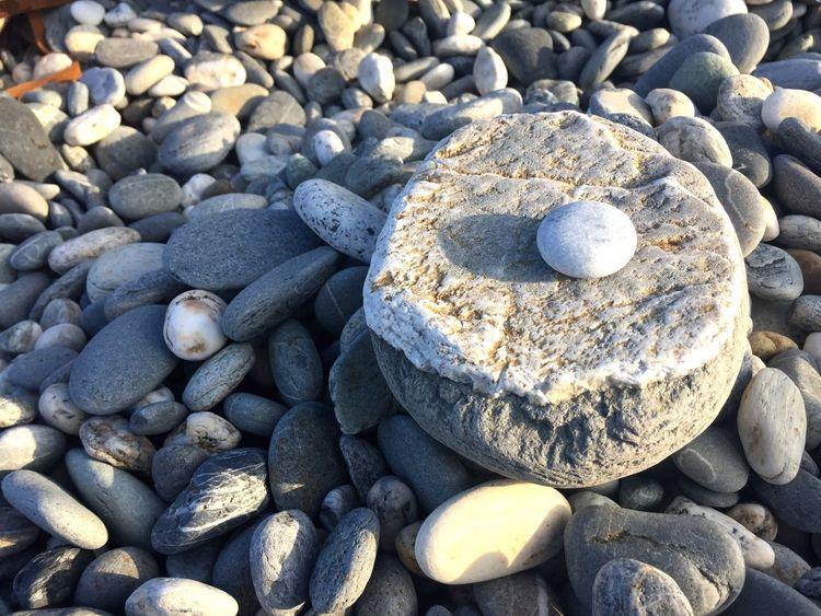 石 Full Frame Pebble Solid Rock Beach Stone - Object Land Stone Nature Outdoors Large Group Of Objects